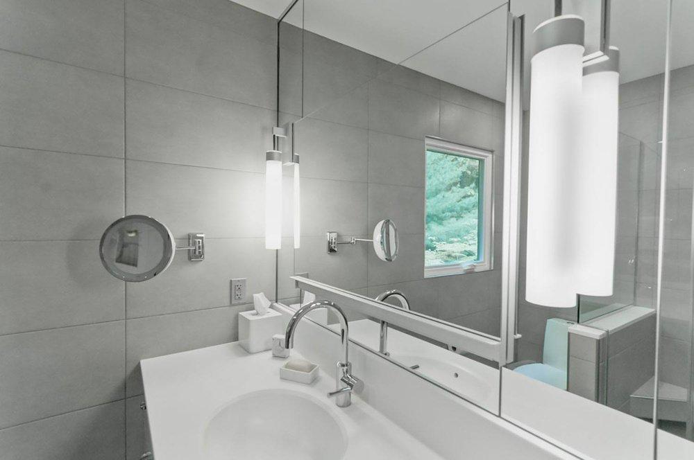 monochromatic-bathroom-mirror.jpg