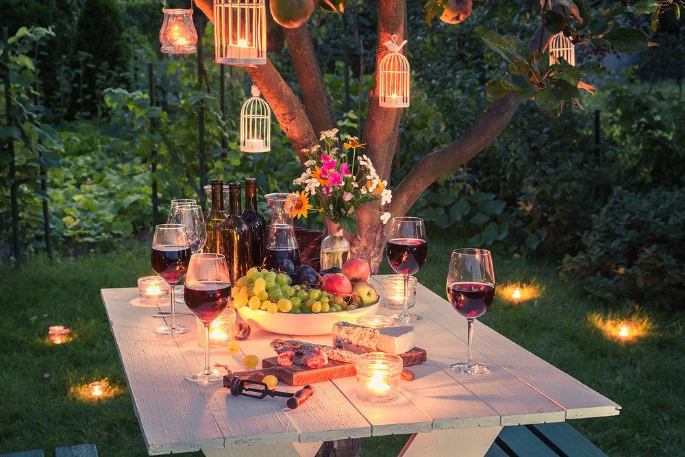 garden_dining.jpg