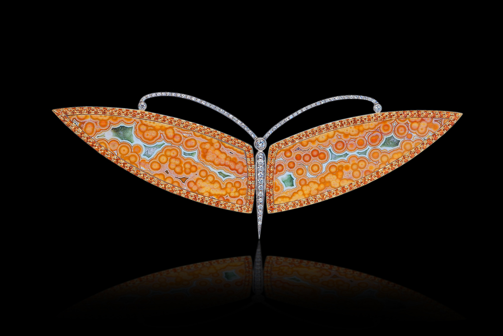 Large Moth   Freedom comes when you stand still long enough to gaze in awe upon nature's wonders.    Brooch in 18 karat Yellow Gold, with Catseye Opal, Cochalon      $12,000