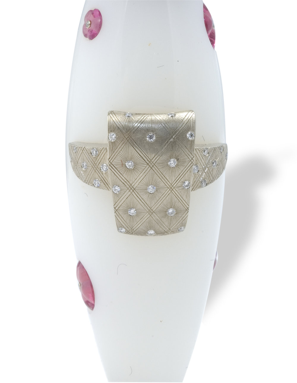 Kokeshi princess back view of hand engraved obi with flush set diamonds