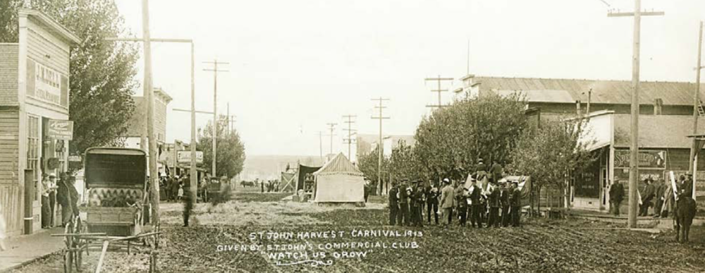 Above: Lautenschlager and Poffenroth Threshing Outfit near Endicott (1911), R. R. Hutchison Photograph Below: St. John Harvest Carnival (1913), Whitman County Library Heritage Collection, Colfax, Washington