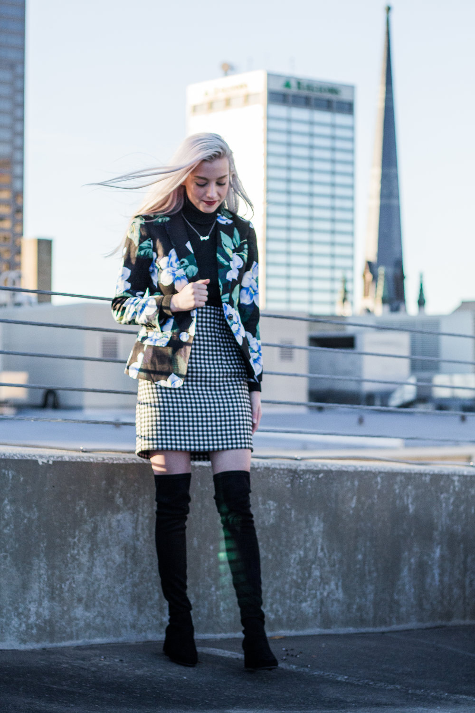 Outfit: Blazer: Banana Republic, Turtleneck: Target, Skirt: Topshop, Boots: Steve Madden, Bag: Fiorelli
