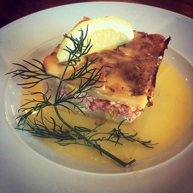 Laxpudding m. skirat smör! #lunchcottinosskafferi #dagens #bromma #cottinosskafferi #dagenfisk
