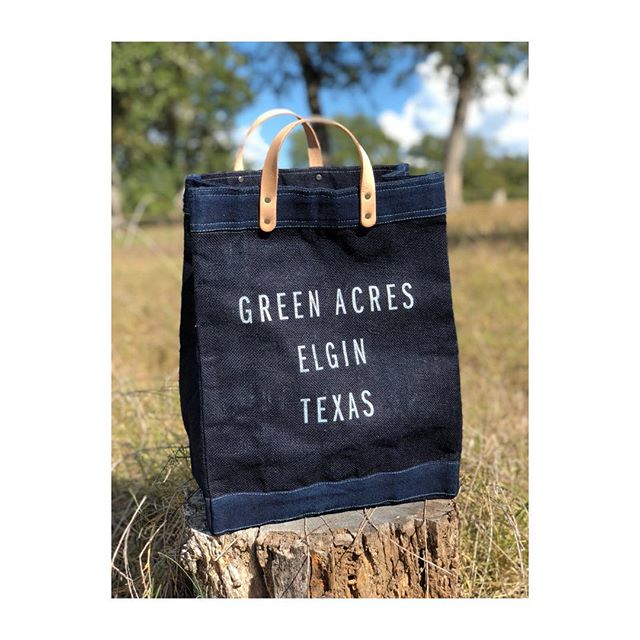 Hi there 👋🏻 . We ❤️ @apolis — They are hands down doing the most important, consistent and relevant work in the fashion marketplace . We had this insanely beautiful #indigo #apolismarketbag made for #greenacresatx and I've had so many people ask where they could get it, so here's what we are doing . 1) Send us a DM if you are interested in buying one of these limited run bags (est 50 - $68/ea) . 2) From now - 10/1/18, book (2) consecutive nights with us for anytime in 2018 and you will get an @greenacresatx + #apolismarketbag for FREE . For more details go to the link in our BIO, sign up for our mailing list if you haven't already, TAG a friend in this post and be on the look out for an email from us .  #greenacres #greenacresatx #glamping #globalcitizen #apolis #apolisglobal #apolisglobalcitizen #tx #texas #texasforever #atx #austin #elgin #alpacasofinstagram #donkeysofinstagram