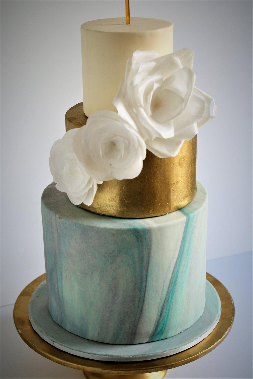 Marble &gold wedding cake