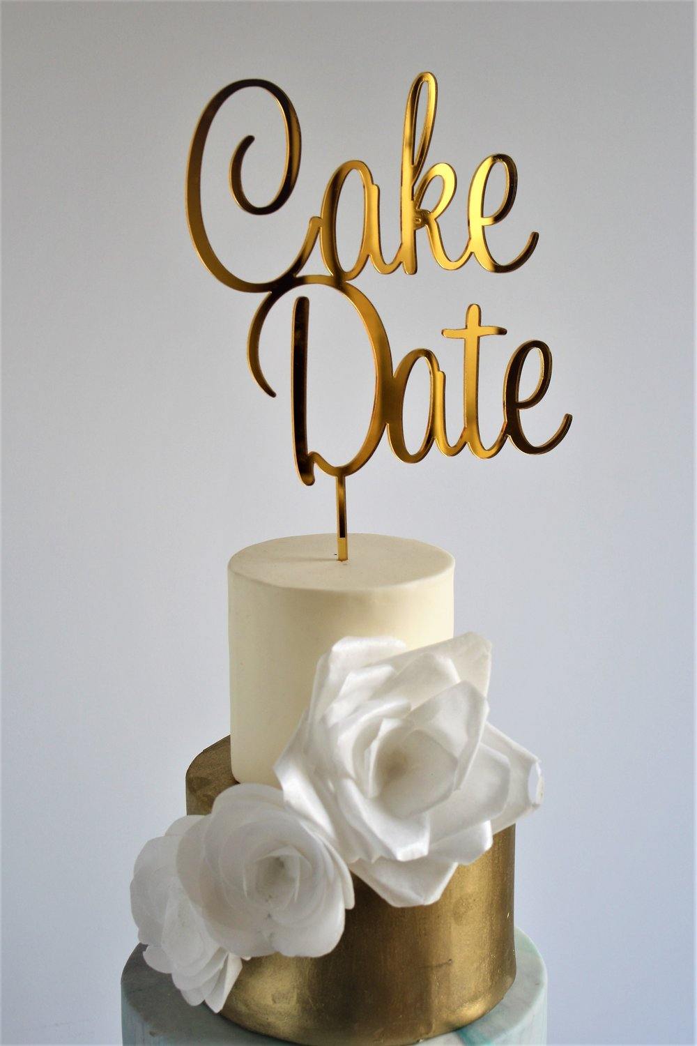 Gold & marble cake