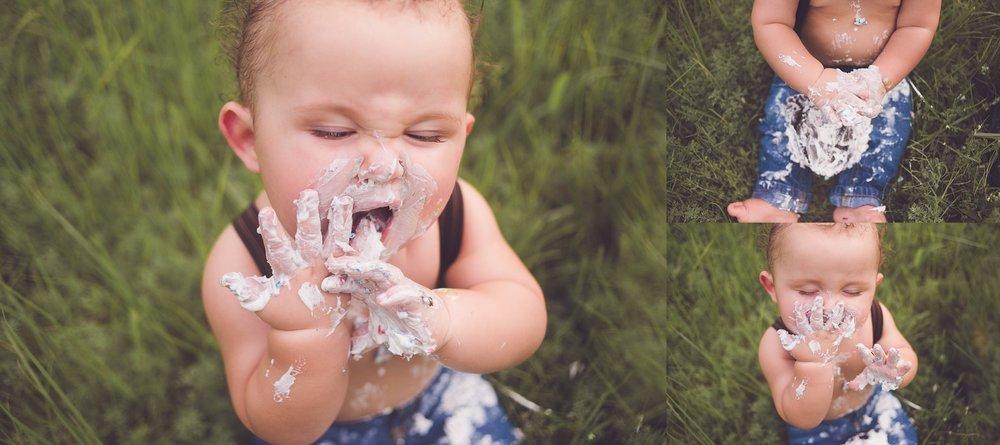 BrittneyHogue=FamilyPhotographer-CakeSmash-PeoriaIL-PekinIL (8).jpg