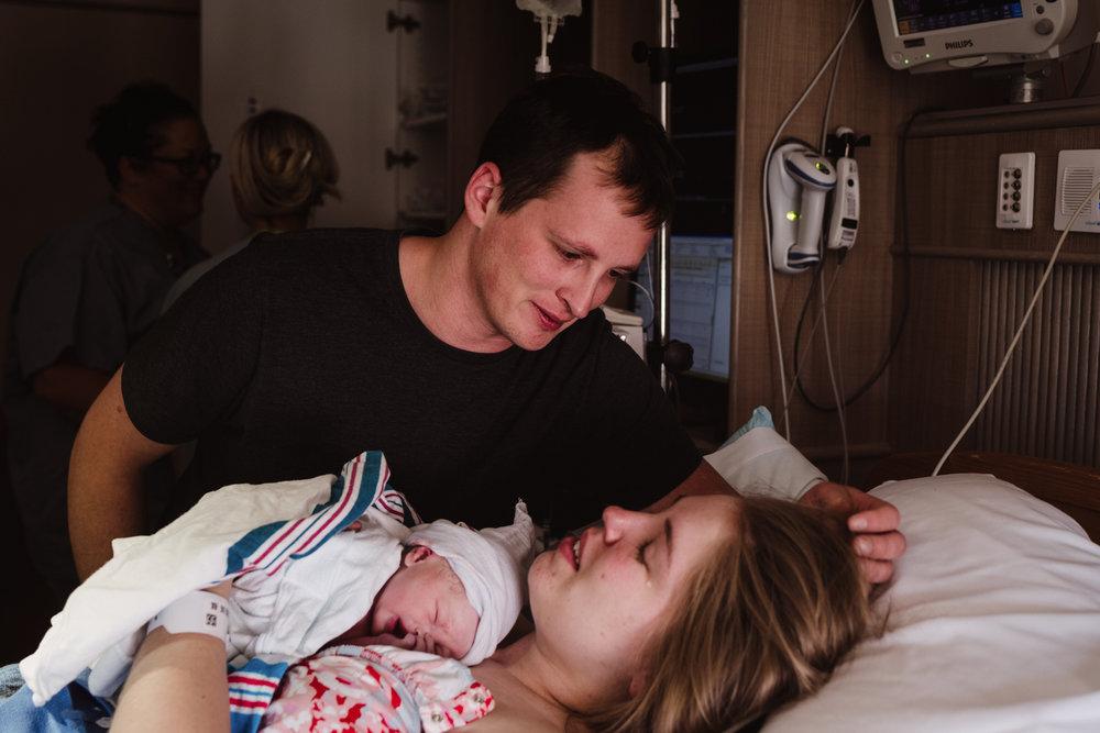 Peoria IL birth photographer
