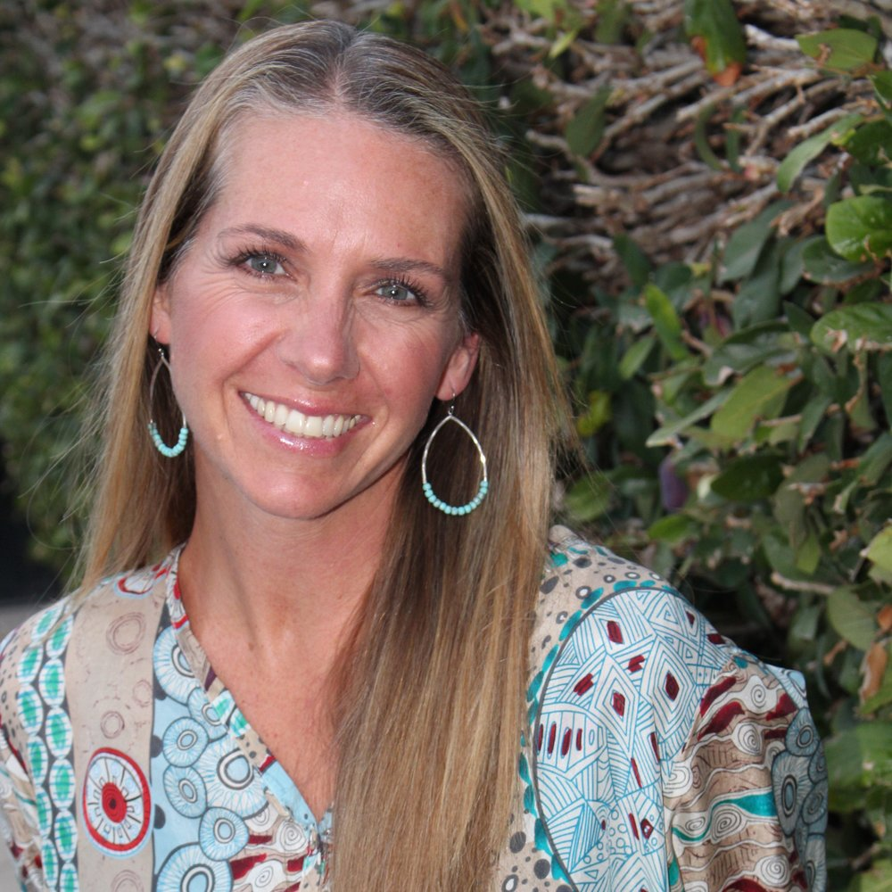 Dara DeSoto Our first ULIV woman is Dara DeSoto. One of the most beautiful authentic women I know. She works as a birth doula in San Diego + Orange County and uses ULIV skincare in her home and work.