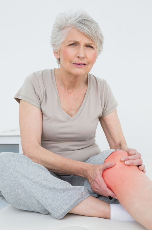 Knee pain old lady 800 pix high.jpg