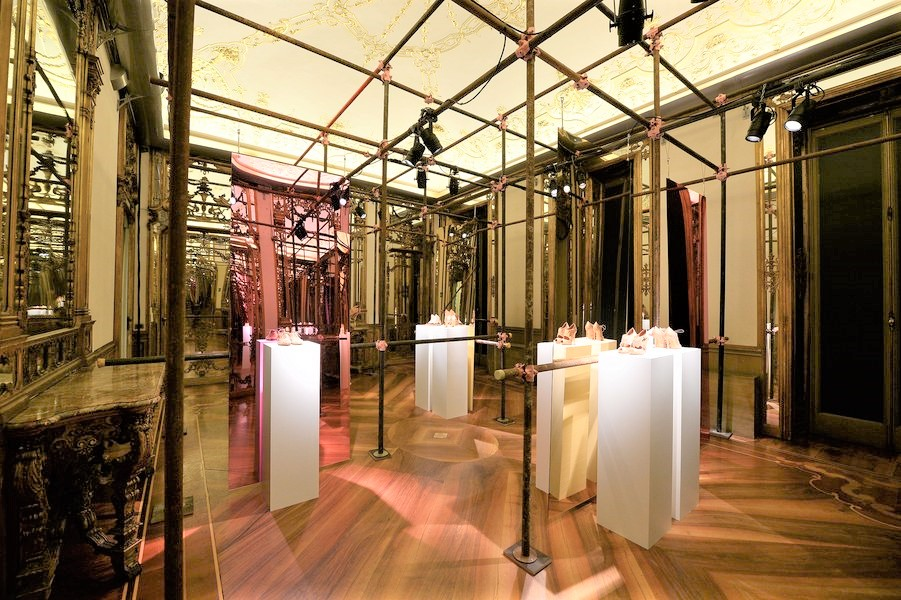 Santoni's Showroom during the fashion week in Milan | via fabulousmuses.net