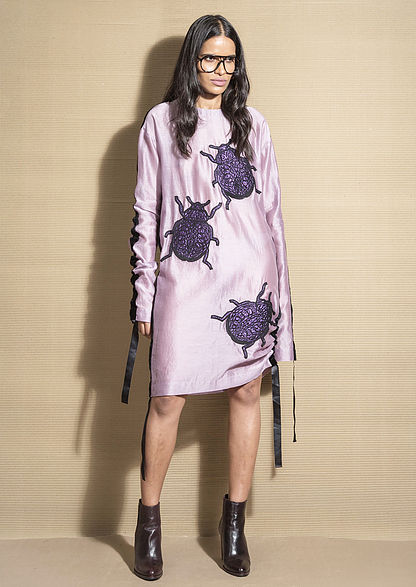 Schweizer Blog, New Delhi Designer, Dress with bug print, look of the day