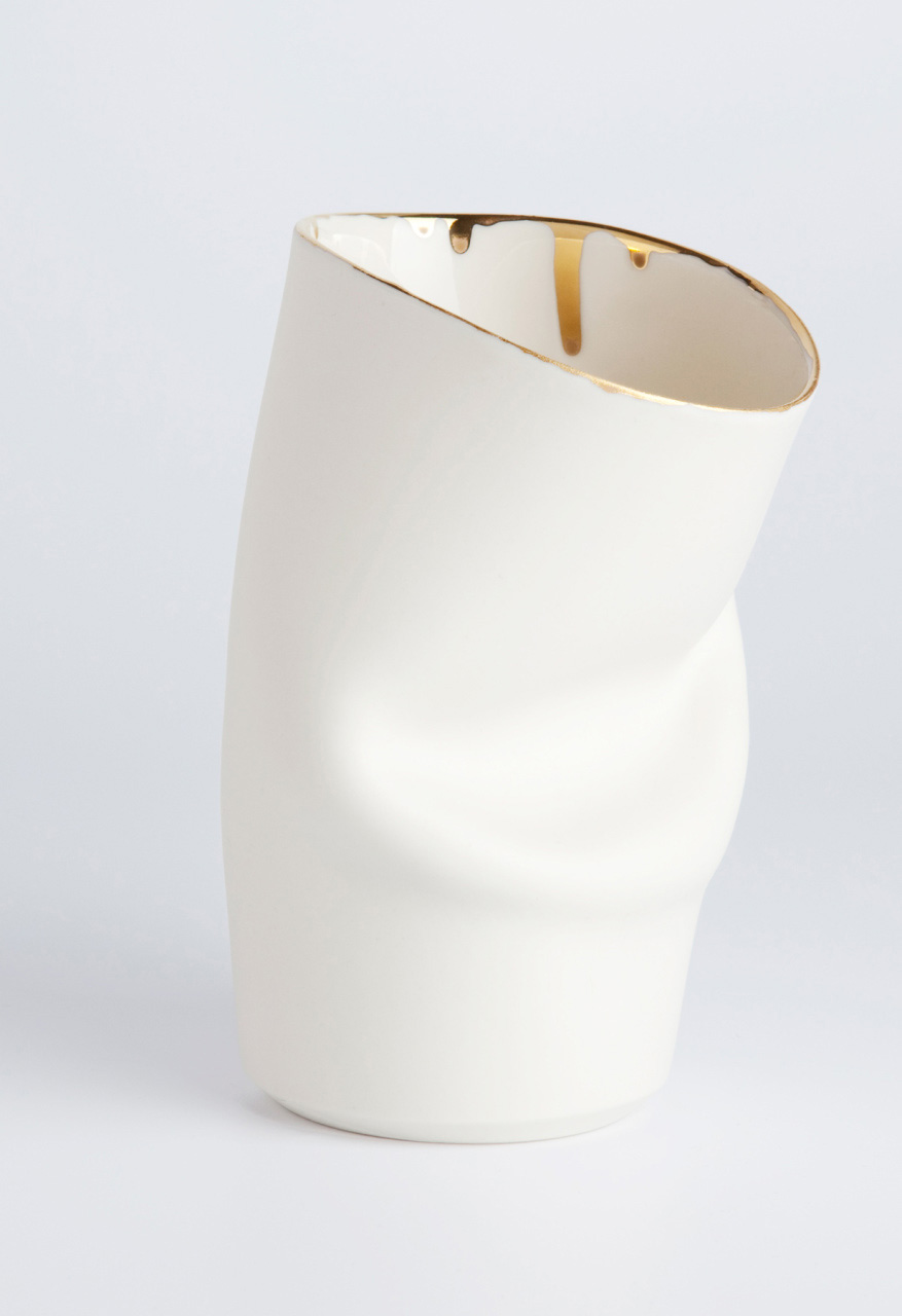 Ceramics Designer The Fold Cup with gold rim
