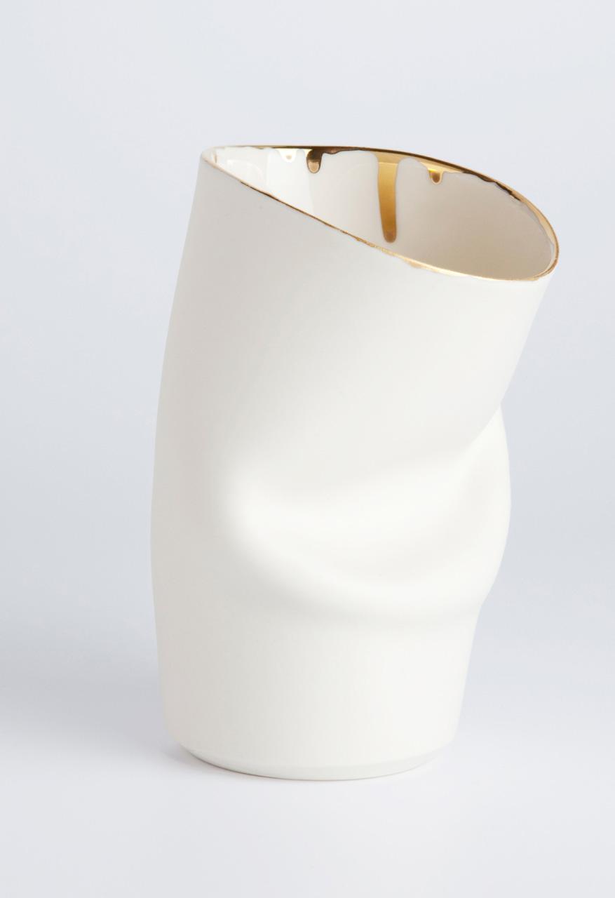 Ceramics Designer The Fold Cup with gold rim