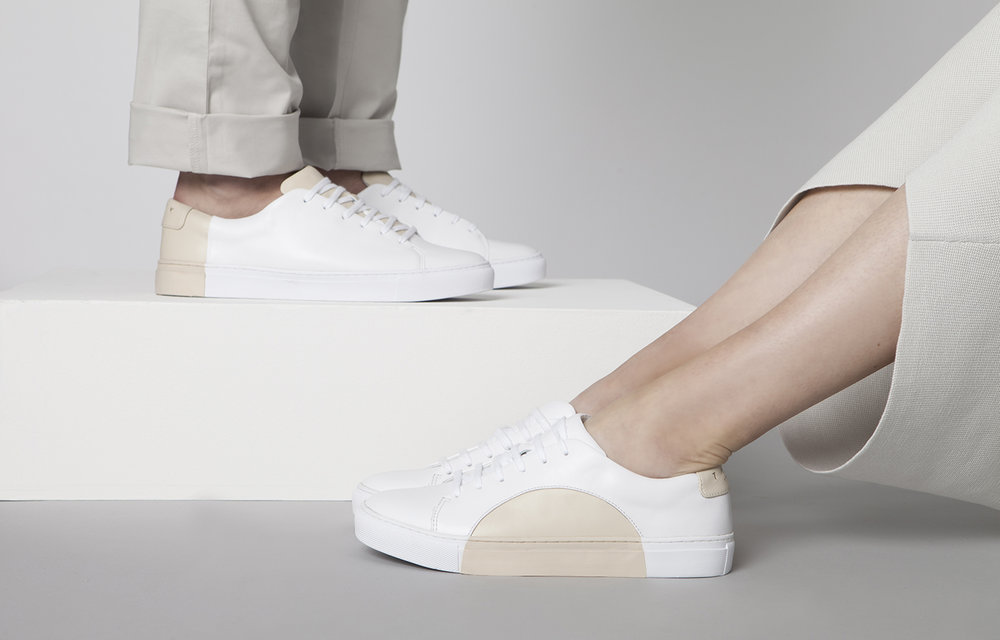 Minimalistic design sneakers circle