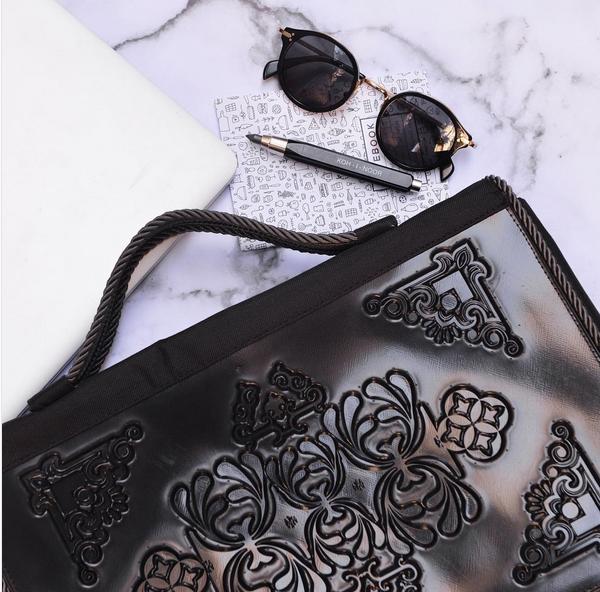 Vegan bag in black with incredible pattern