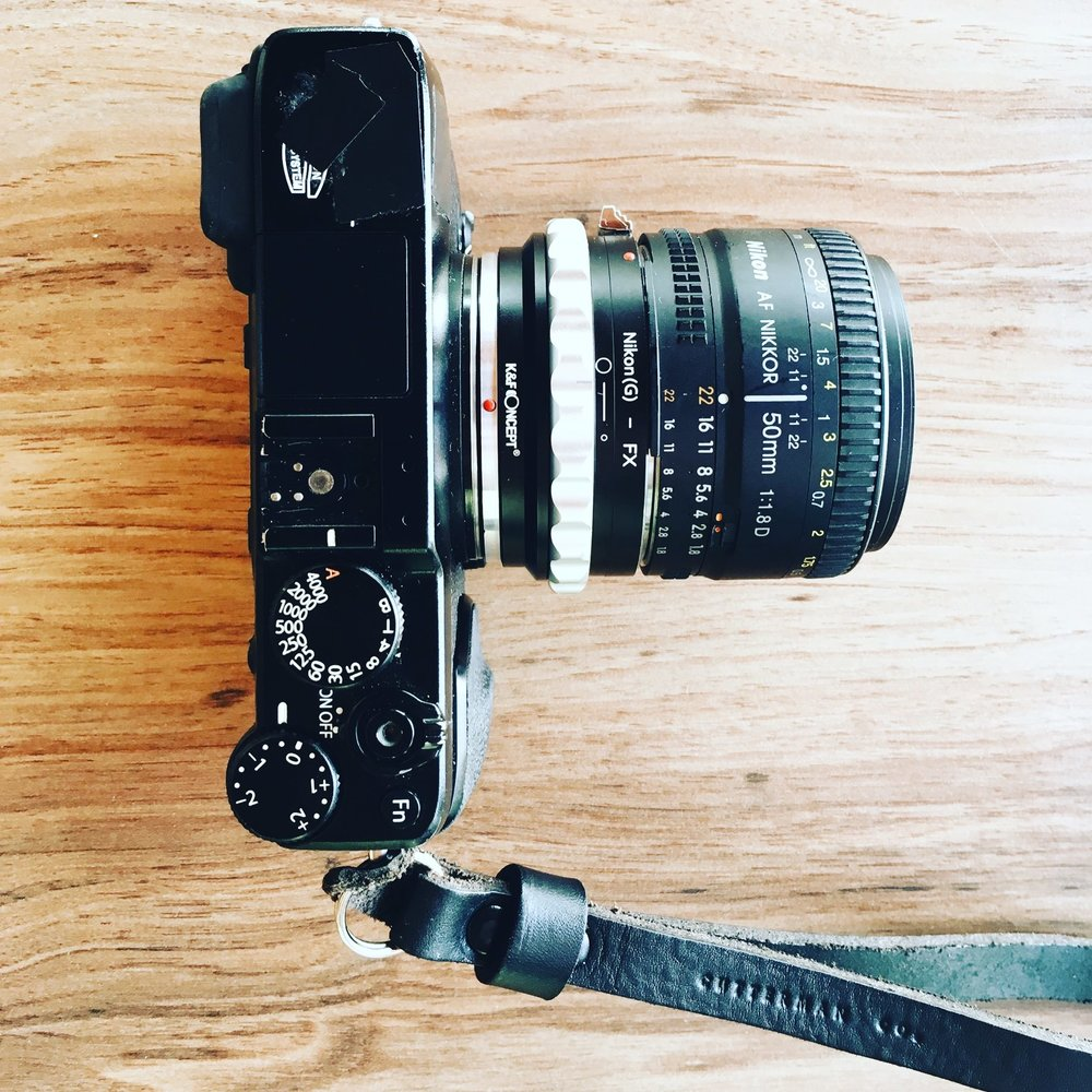 FujiFilm XE-1 com adaptador K&F Concept e lente Nikon 50mm f1.8
