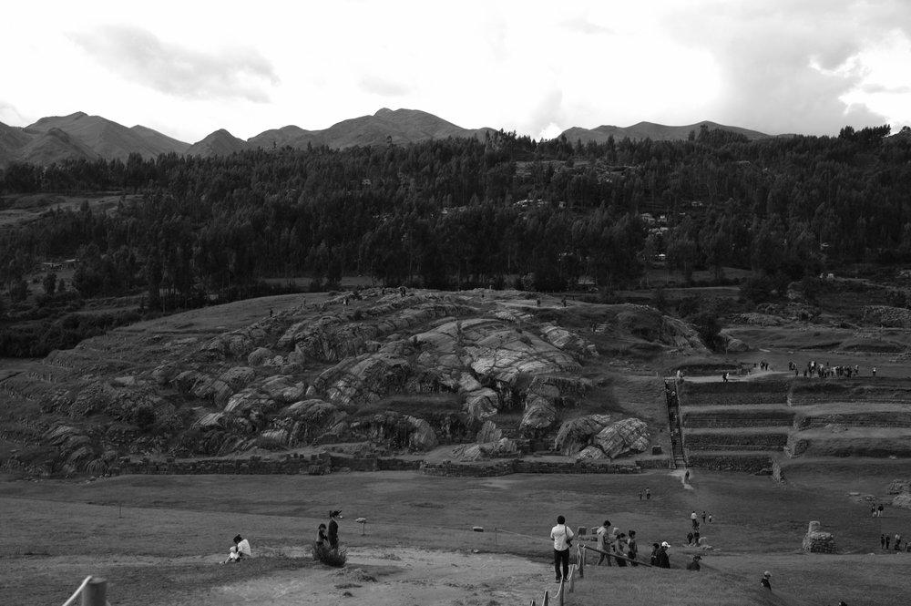 Turistas e mais turistas em Sacsayhuaman.
