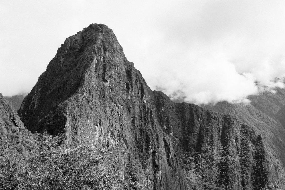 A montanha de Huyana Picchu visto da Porta do Sol - Machu Picchu - FujI XT2 + Lightroom