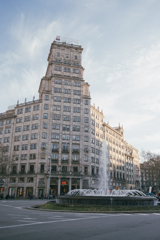 Buildings_of_Barcelona (11 of 14).jpg