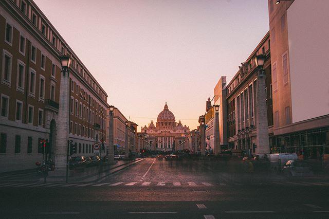 Sunset in St. Peters Basilica - Vatican  Dec 2017 . . . . . #instapassport #aroundtheworldpix #ig_masterpiece #flashesofdelight #travelog #mytinyatlas #visualmobs #theglobewanderer #bnw_demand #bnwmood #monochrome #bnw_globe #blackandwhitephoto #rsa_bnw #blackandwhitephotography #blacknwhite_perfection #bnw_captures #bnw_city #bnw_life #ig_italy #instaitaly #igersitaly #loves_italia #gf_italy #vscoitalia #fujifeed #myfujifilm #fujixclub #fujiframez #focalmarked