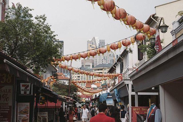 Chinatown, Singapore . . . . .  #streetphoto #magnumphotos #streetlife #streetportrait #photojournalism #lensculturestreets #urbanphotography #everydayasia #theglobewanderer #wearethestreet #dailylife #beststreets #exploringtheglobe #everybodystreet  #singaporean #sgvsco #gf_singapore #sglife #fujifeed #myfujifilm #fujixclub #focalmarked . . . . .  #instapassport #thecreative #artofvisuals #aroundtheworldpix #ig_masterpiece  #singaporean  #focalmarked