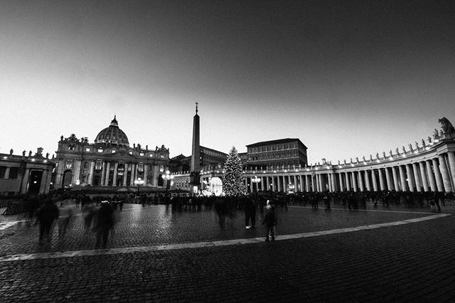 This is St Peters Basilica and the Piazza San Pietro with the Christmas Tree and decoration. This was shot in December 2017 just after the Christmas celebrations. The Vatican was empty compared to the earlier years. It's my third time in Rome during this time of the year and I was surprised by the amount of security and a low number of tourists/people. Maybe due to the fear of terrorism?  Nurb Monuments are mostly NOIR images. Kinda the mood I'm in since 2017. All images are available as a print in Canson Fine Art paper. Contact me at patricksilveira@me.com for more info, or access my site www.nurbcollection.  #StAngelo #Rome #Vatican #StpetersBasilica #Bridges #visualart #contemporaryart #fineartphoto #fineart #fineartphotography #myart  #artgallery #artphotography #contemporarypainting #noir #noireblancphotography #instaartoftheday #artshow #instaartistic  #ig_italy #instaitaly #igersitaly #loves_italia #gf_italy #vscoitalia #fujifeed #myfujifilm #fujixclub #prints #decoration