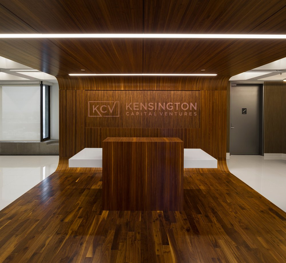 Kensington_Capital_Ventures_Holdings_Corderman_Construction_Office_Finance_Boston_Reception_Logo_Millwork_Wall.jpg
