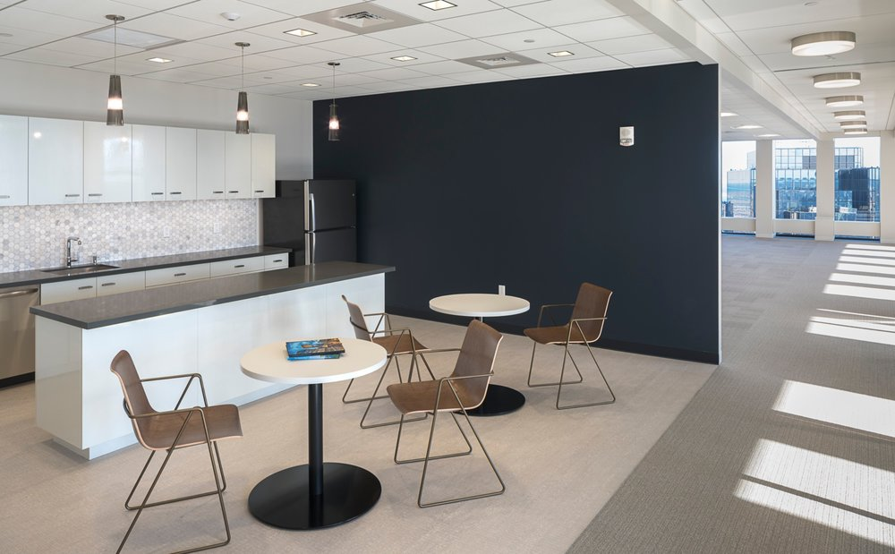 CBRE_Corderman_Construction_One_Boston_Place_Cafe_Seating_Wall.jpg