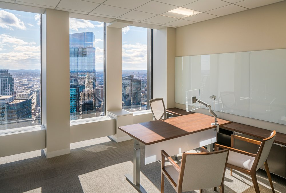 CBRE_Corderman_Construction_One_Boston_Place_Interior_Office_Desk.jpg