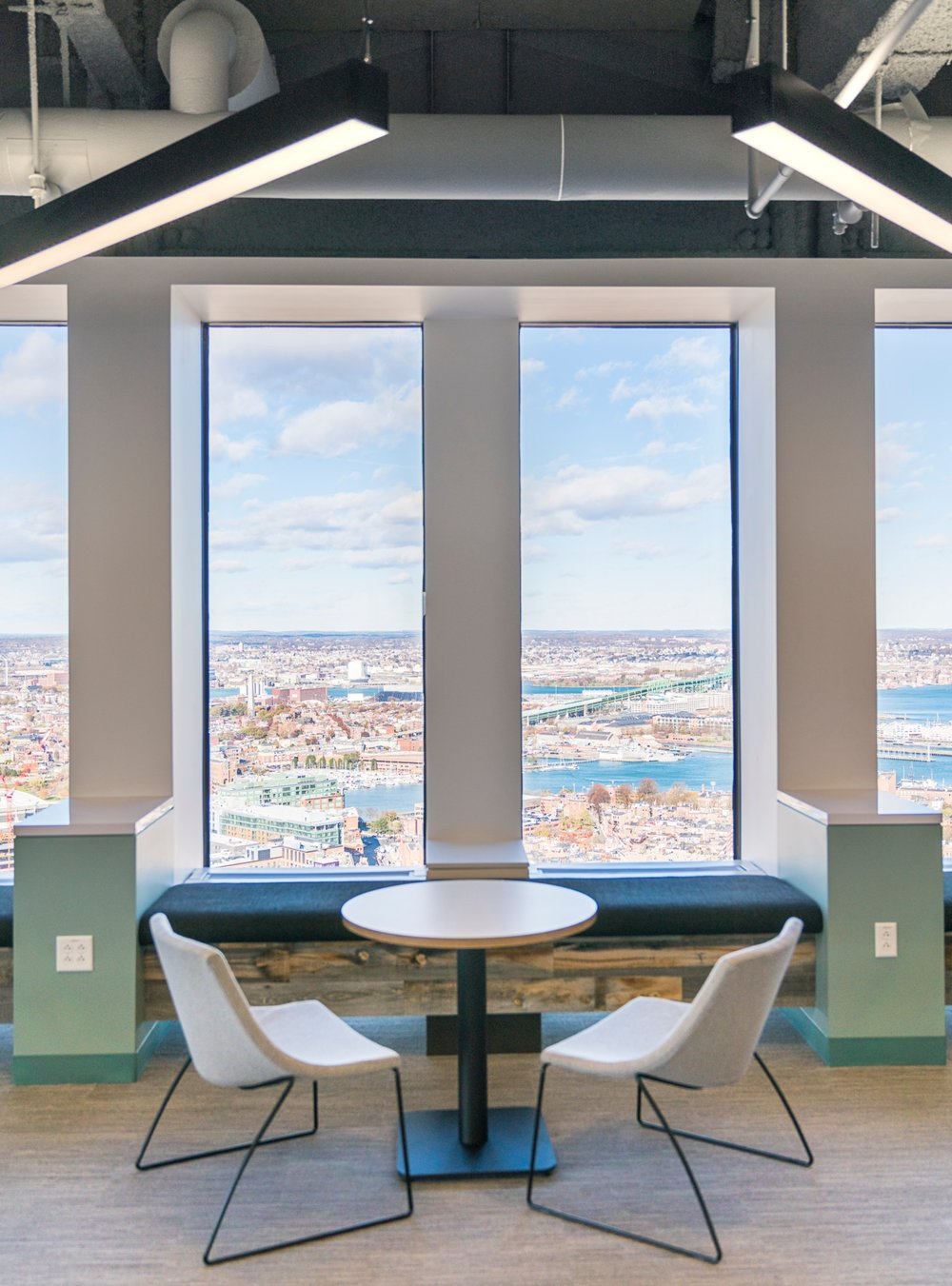CBRE_Corderman_Construction_One_Boston_Place_Window_Seat.jpg
