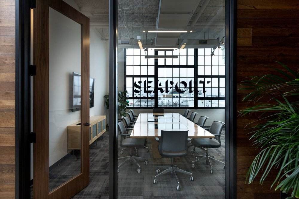 Corderman_Company_Construction_Neoscape_Office_Design_Seaport_Boston_Meeting_Room.jpg