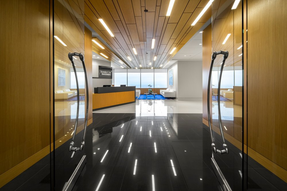 Corderman_Construction_Standard_Life_Investments_Financial_Office_Reception_Hallway.jpg