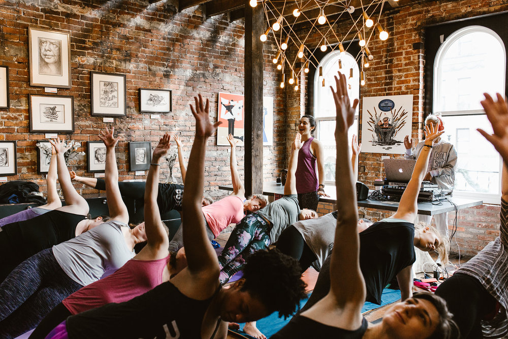 Live DJ yoga class (Photo: Lauren Louise Photography)