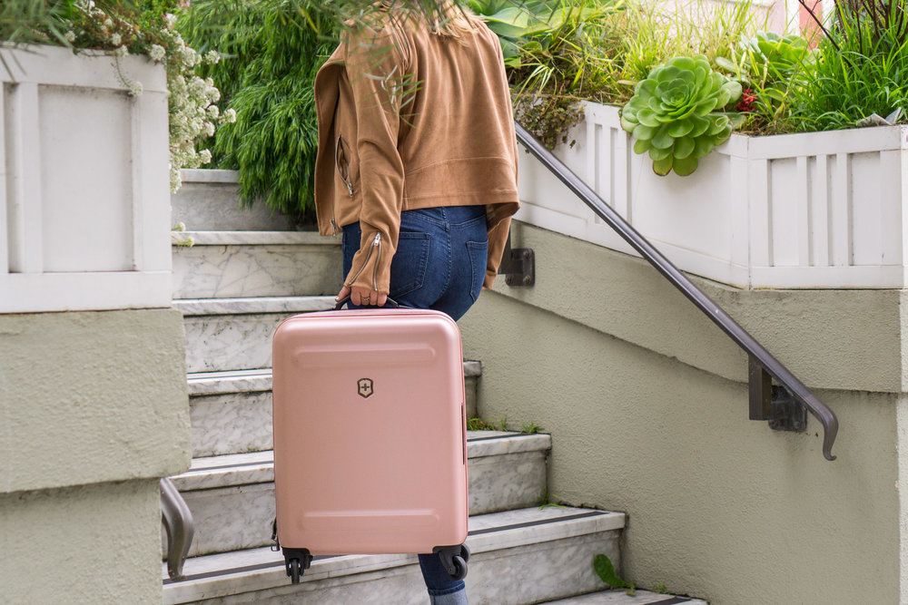 victorinox-suitcase-product.jpg