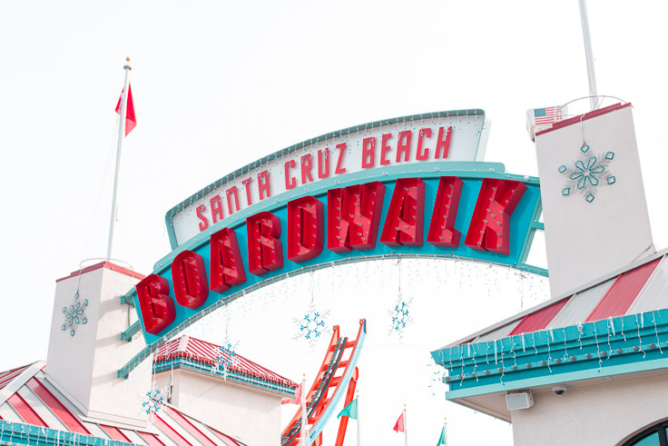 The entrance to the boardwalk, decorated for the holidays.
