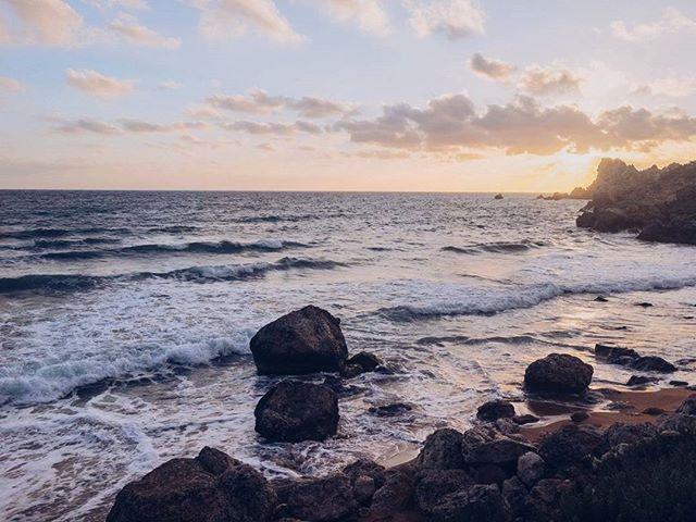 The perks of living on an island 👌😍 #sanblas #gozo #malta🇲🇹 #islandlife #beauty #beach #sand #rocks #travel #wanderlust #travelgram #instatravel #travelblogger #dreamandwander #lovinmalta