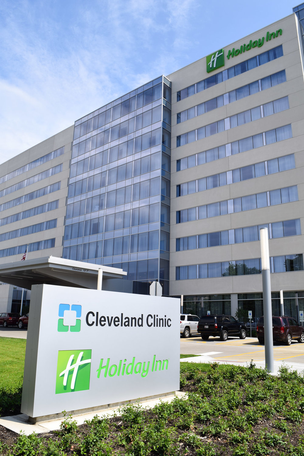 Cleveland Clinic Holiday Inn - Cleveland, OH Developed by MDG, Asset Management by MAM