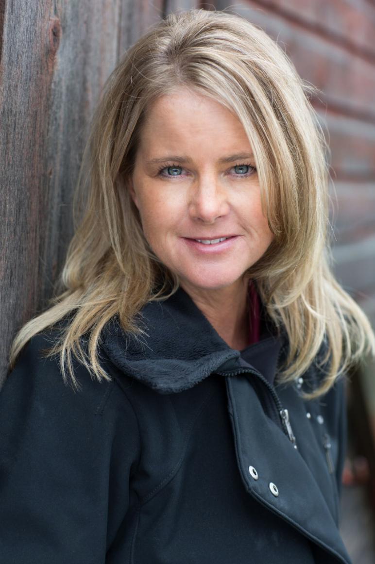 Dr. Kristen Race headshot
