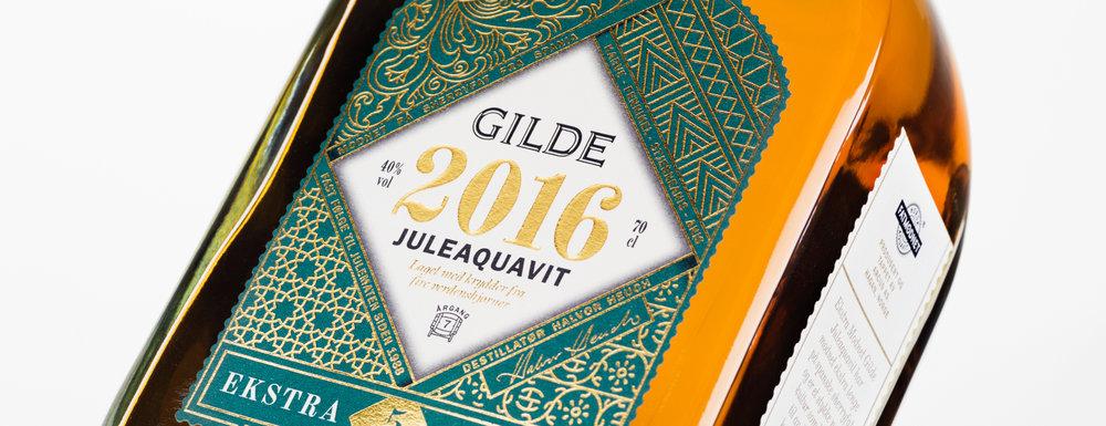 Produktfotograf - Fotografering av produkter. Gilde Juleaquavit