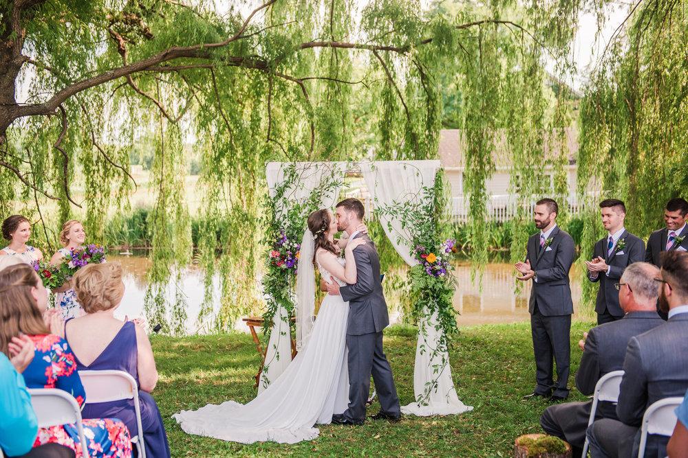 Jerris_Wadsworth_Wedding_Barn_Rochester_Wedding_JILL_STUDIO_Rochester_NY_Photographer_DSC_2693.jpg
