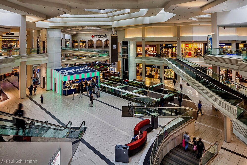 Milwaukee corporate photographer | Retail mall