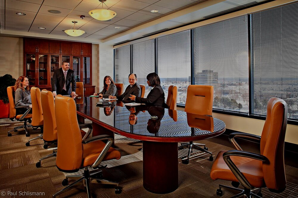 Phoenix corporate photographer | Corporate meeting in conference room