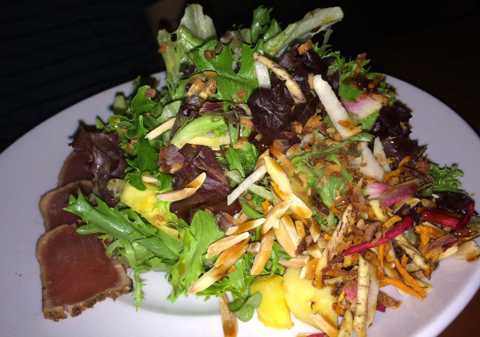 The Maui Tuna Crunch at Seasons 52 is a generous entree salad that comes in at 390 calories.