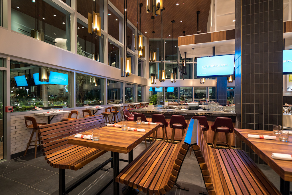 Earls Kitchen Bar Open At The Mall At Millenia Rona