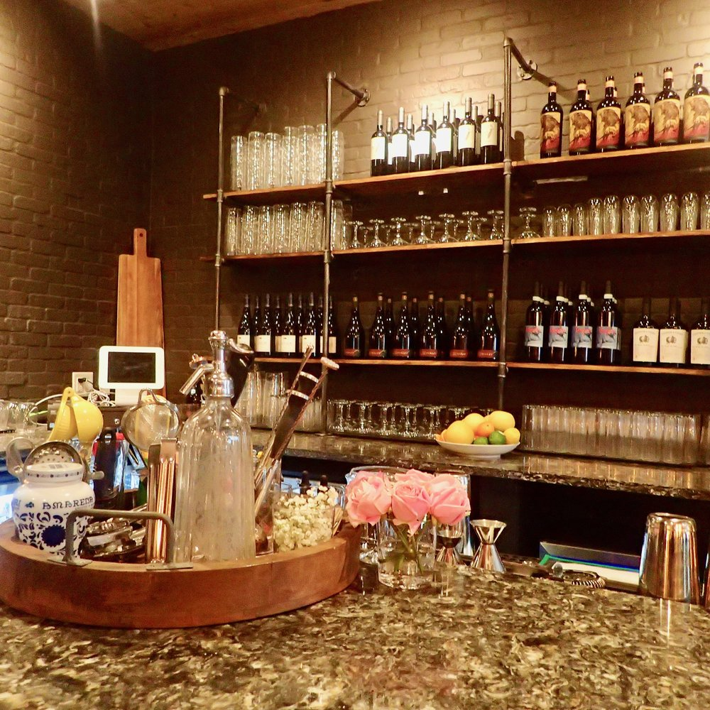 Sette Orlando's bar