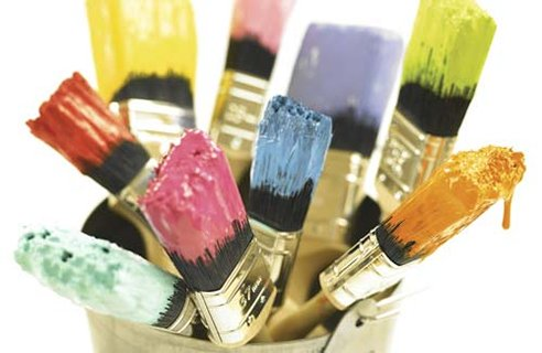 Choosing the best paint color for small spaces can be tricky. Here are helpful suggestions from Roost Realty.