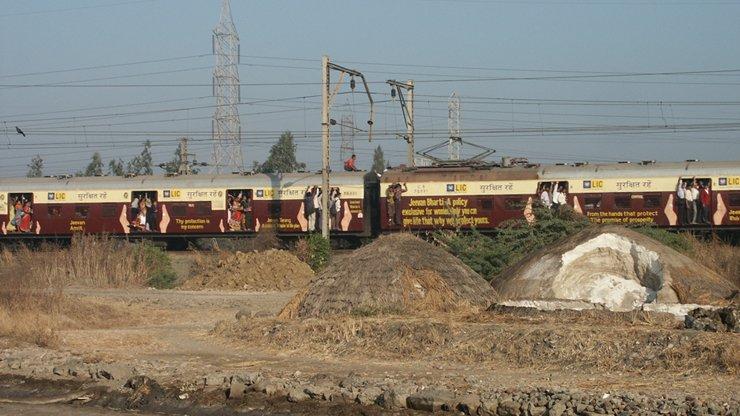 09_train.jpg
