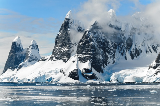 mountains-ice-bergs-antarctica-berg-48178