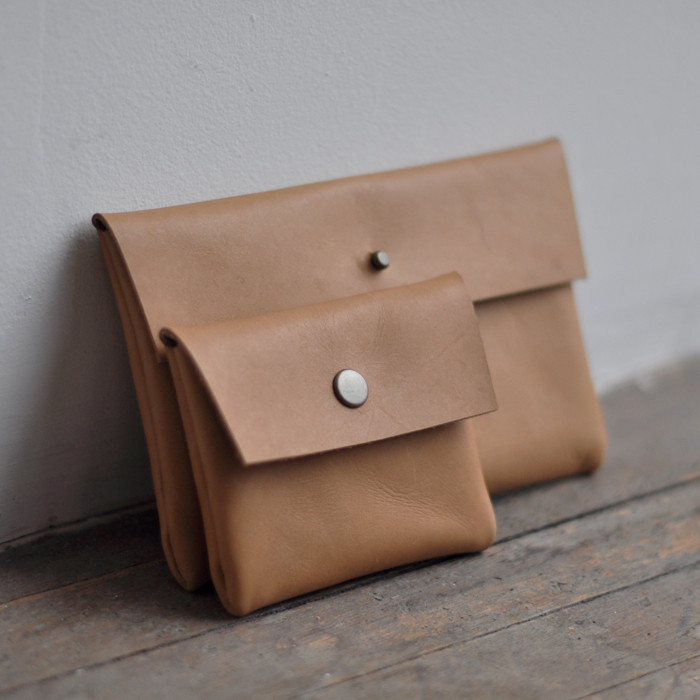 POUCH_-_LEATHER_caramel_clutch5-pouch_1024x1024